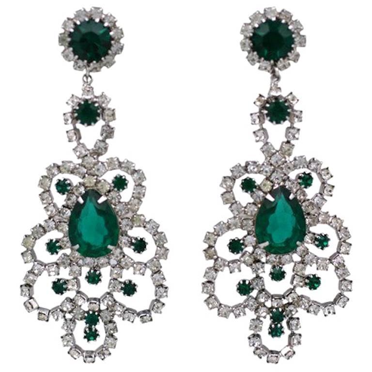 Hattie Carnegie Emerald Chandelier Earrings For Sale At