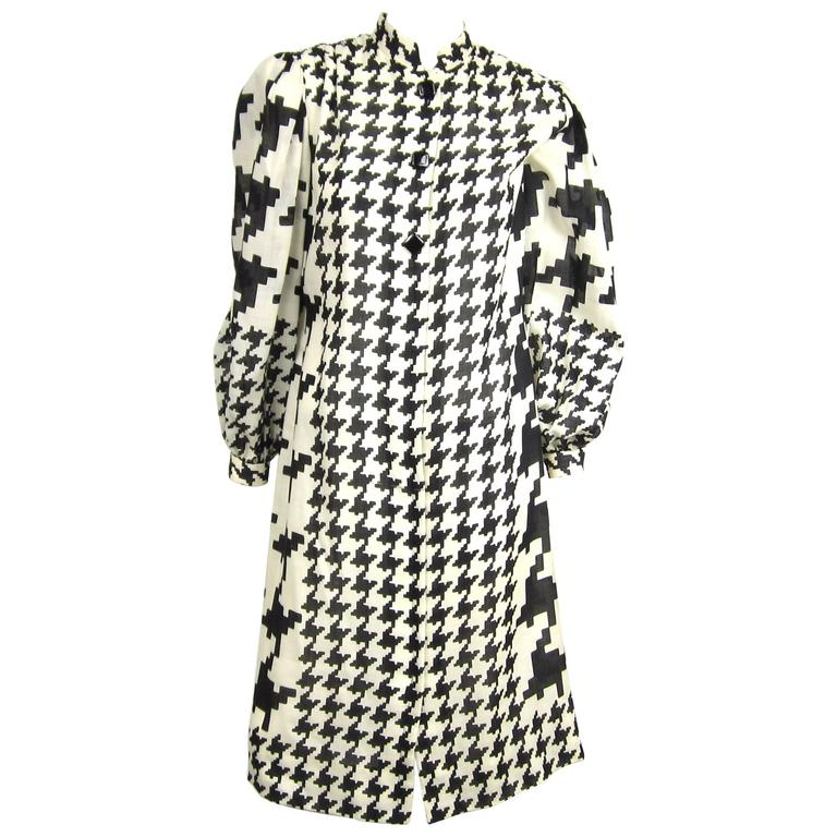 Pauline Trigere Black and White Hounds tooth Shift dress