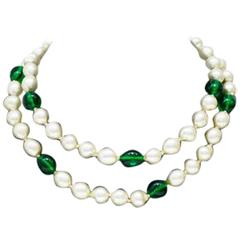 Anonymous Faux Pearl & Green Poured Glass Necklace
