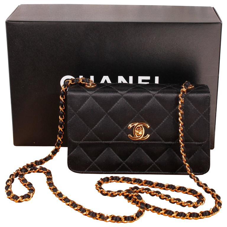 6490a71f306e 1998 Vintage Chanel clutch - black silk at 1stdibs