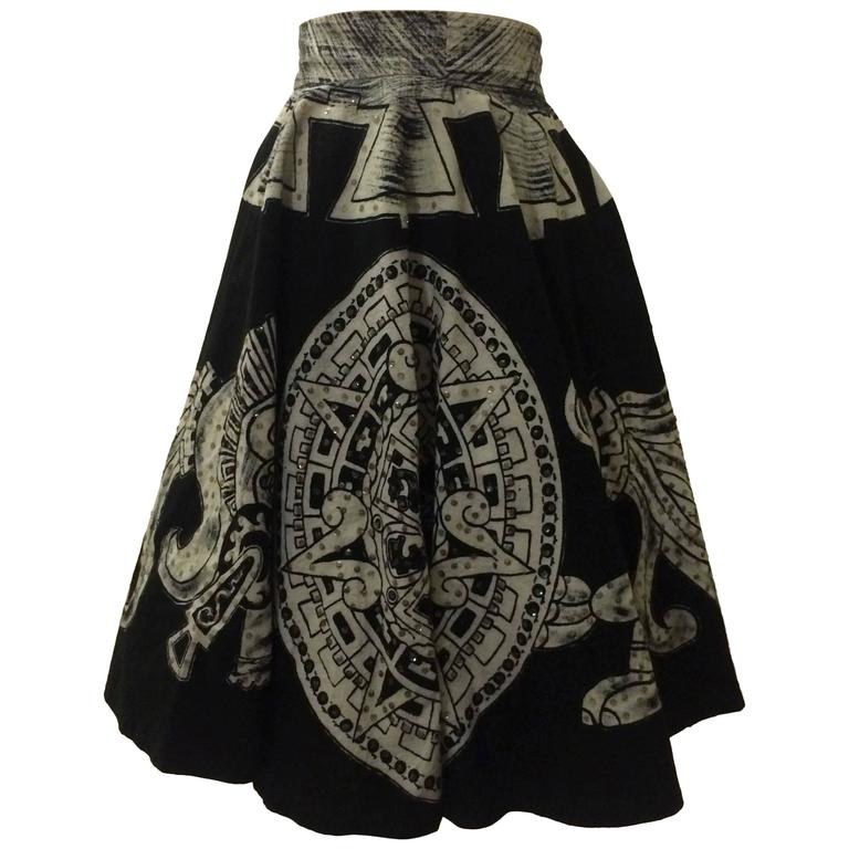 Vintage 1950s Aztec Calendar Warrior Black & White Circle Tourist Souvenir Skirt For Sale