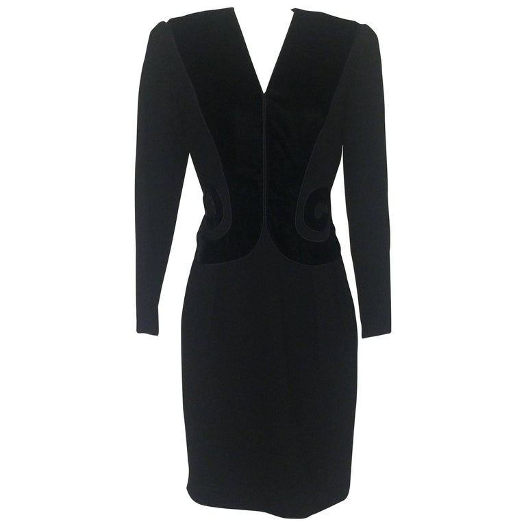 Oscar de la Renta 1990s Long Sleeve Black Dress with Velvet Swirl Detail For Sale