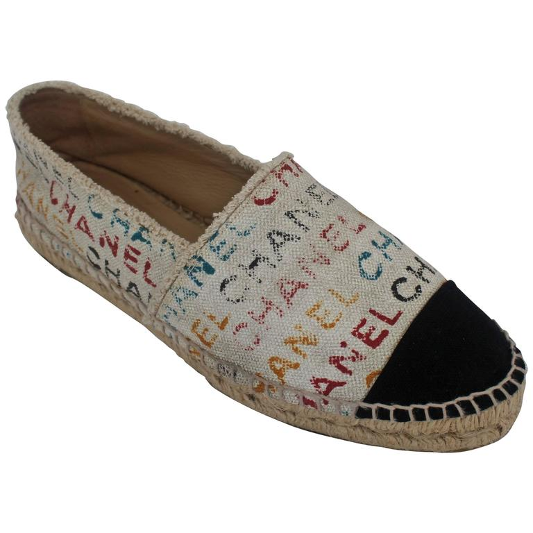 Chanel Black and Cream with Multi-Colored Print Flat Espadrilles - 41 For Sale