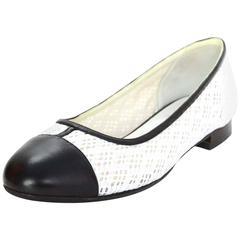 Chanel Black and White Eyelet Cap-Toe Flats Sz 37