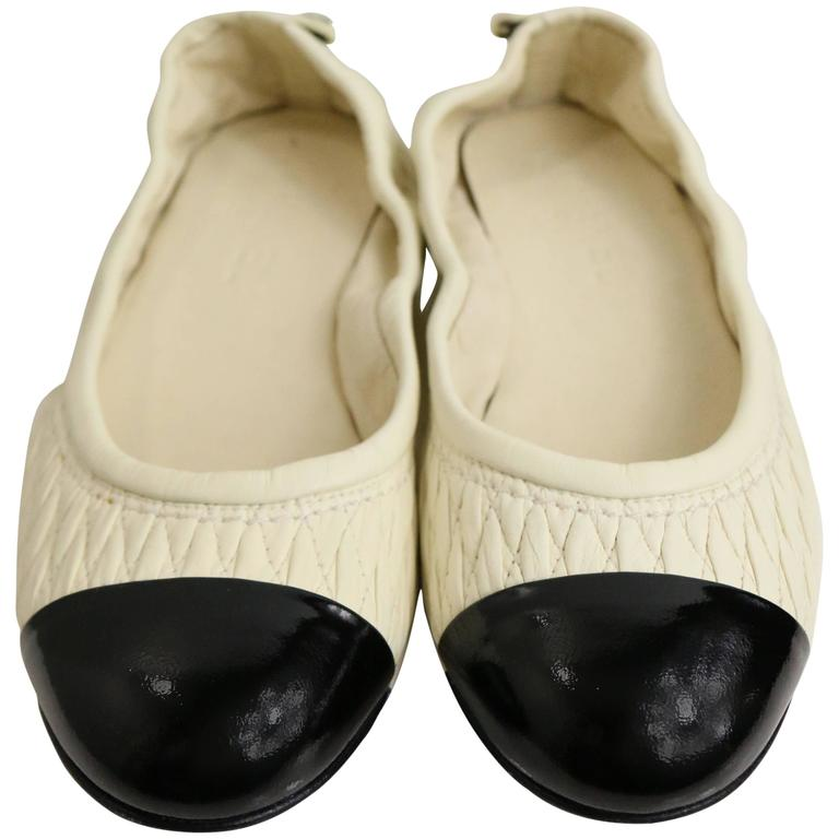 Chanel Bi Tones Quilted White Leather /Black Patent Leather Flats 1