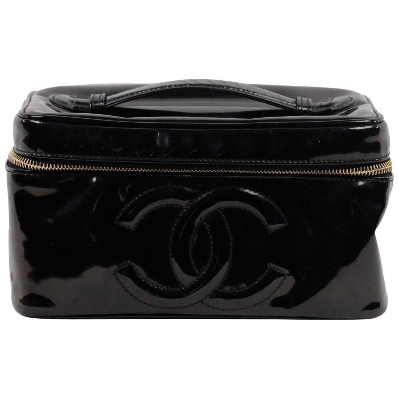 aeeb192f8716 CHANEL Black Patent Leather COSMETIC BAG Vanity Case HANDBAG Purse at  1stdibs
