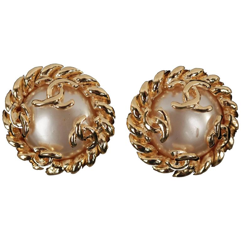 Chanel Gold Metal and Faux Pearls Twisted Rope Clip on Earrings with CC Logo For Sale