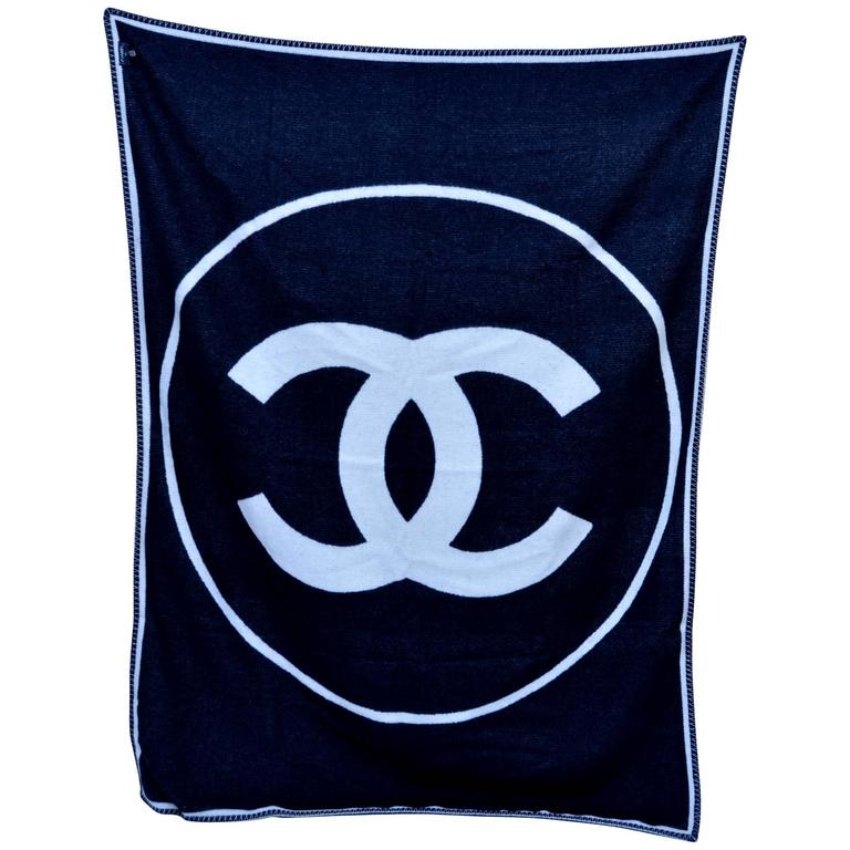 CHANEL Black & Off White Large CC Logo Travel Home Decor Throw Blanket NEW 1