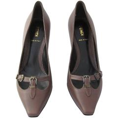Fendi brown leather shoes with box. Size 37