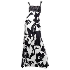 ef297aa524 Notable Naeem Khan Black and White Beaded Silk Skirt For Sale at 1stdibs
