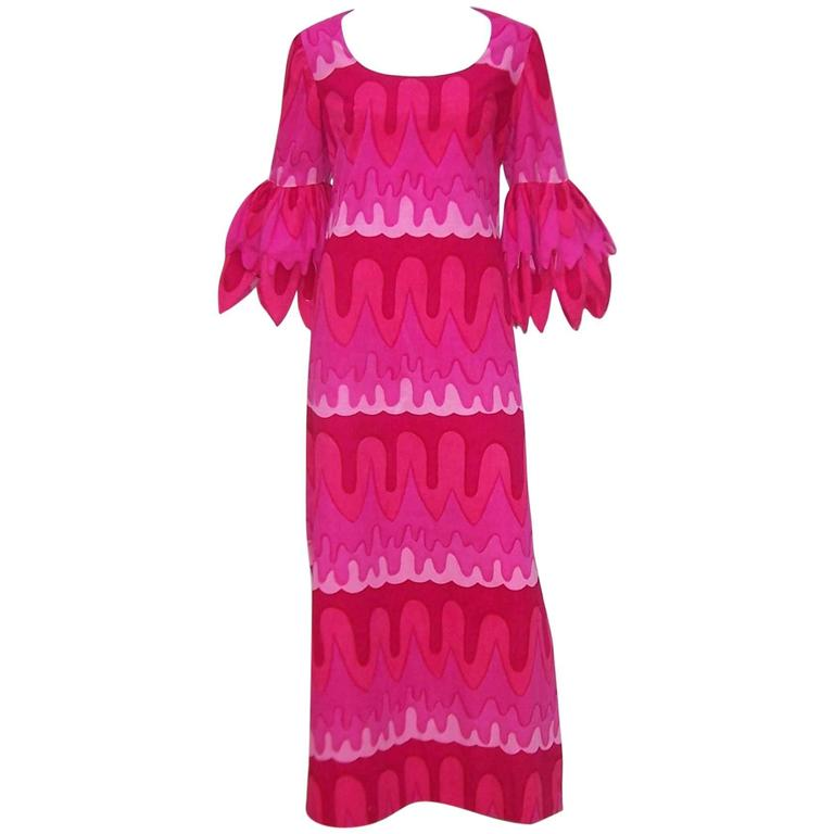 C.1970 Hot Pink Mod Print Maxi Dress With Petal Sleeves For Sale