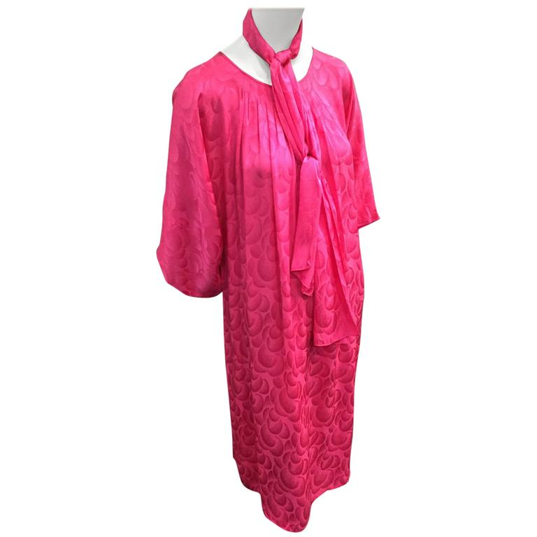 1980s Richilene Fuchsia Silk Jacquard Chemise Dress w Belt.