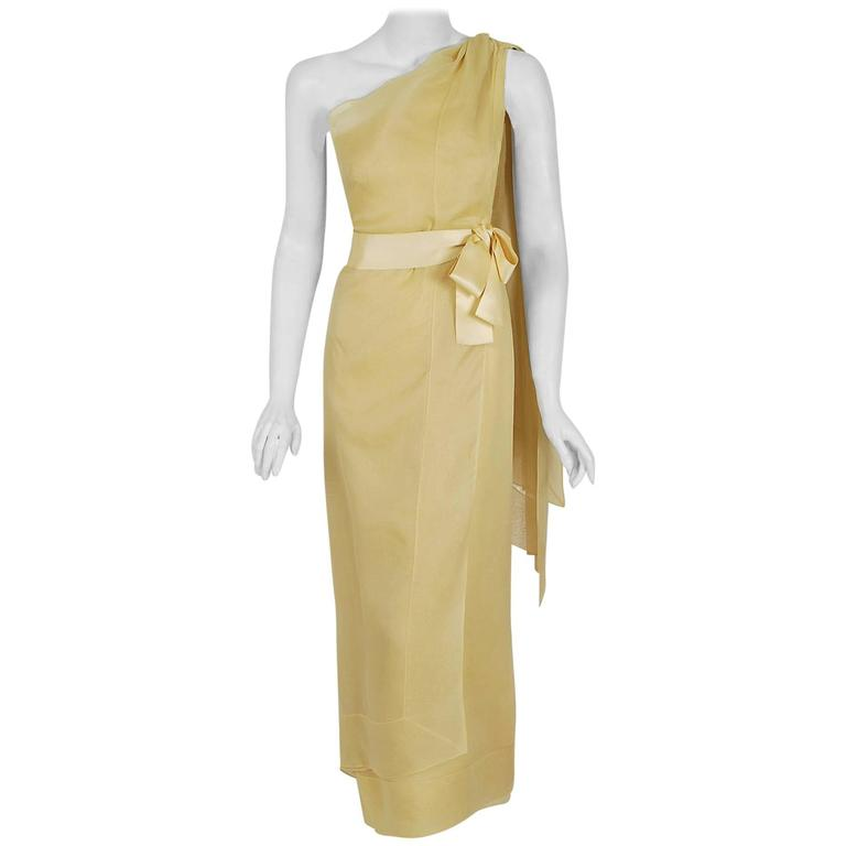 1969 Christian Dior Haute-Couture Yellow Silk One-Shoulder Grecian Goddess Gown For Sale