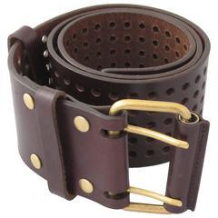 Yves Saint Laurent vintage leather belt. Size 70