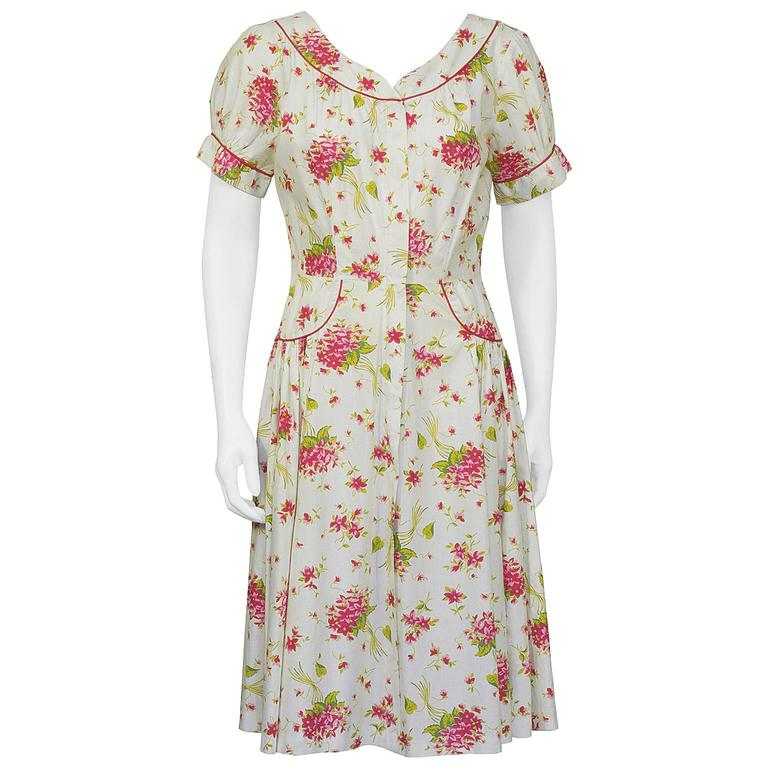 1950's Floral Cotton Daydress with Red Piping For Sale