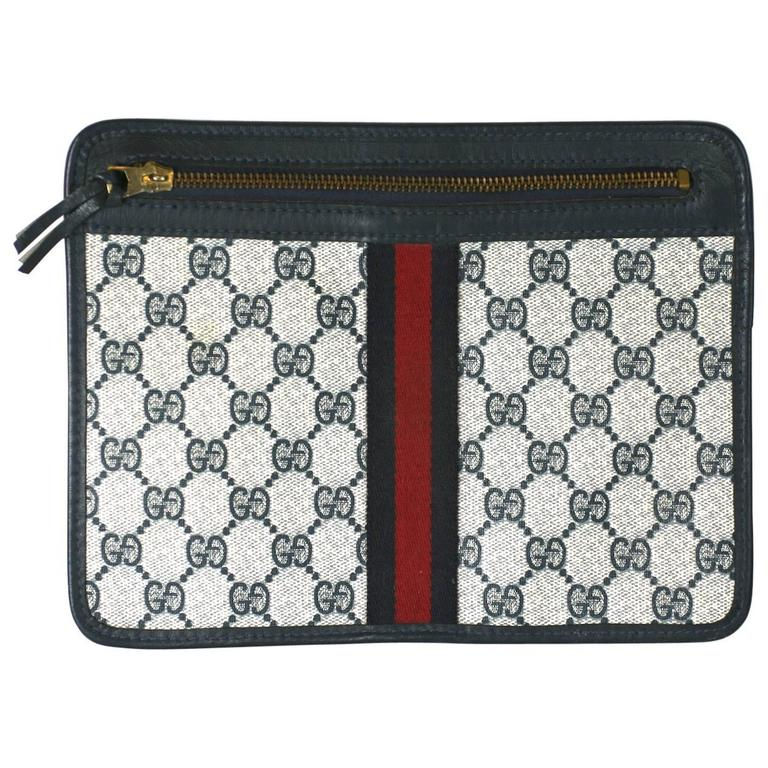 Gucci Signature Logo Pochette For Sale