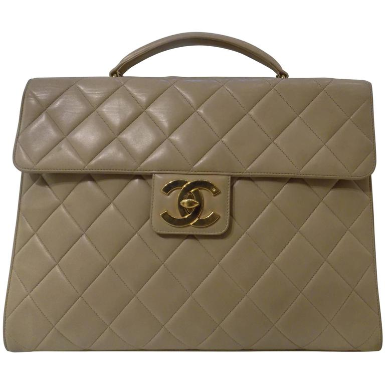 1990s Chanel beije lambskin bag For Sale