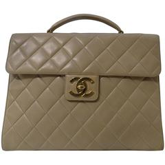 1990s Chanel beije lambskin bag