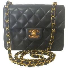 MINT. New. 90's vintage CHANEL black lamb leather flap chain shoulder bag