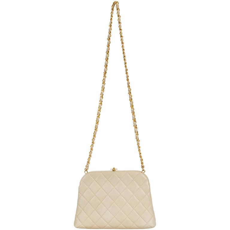 Chanel 1990's Beige Lambskin Quilted Kiss Lock Bag For Sale