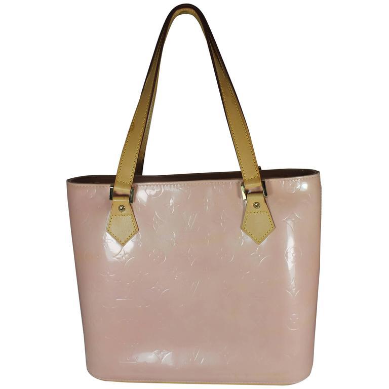 73f05eb95111 Louis Vuitton Pink Vernis Monogram Shoulder Bag - 1999 - GHW at 1stdibs