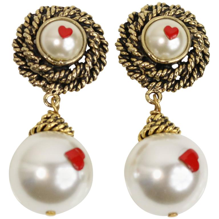 Moschino Pearls With Hearts Gold Tone Drop Clip-On Earrings  For Sale