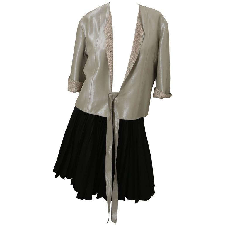 Chanel 3/4 Sleeve Blazer W/ Tweed Lining & Tie Closure For Sale