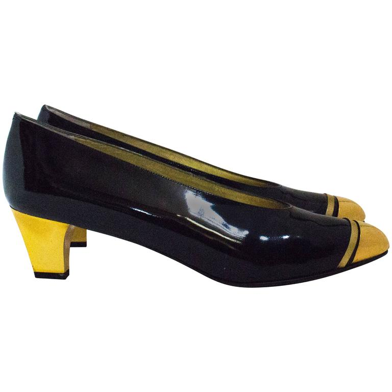 80s Black Patent Leather Heels with Gold Toe Caps ad Heels 1