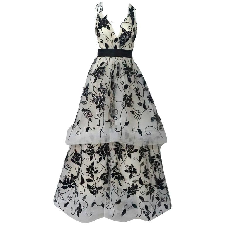 Oscar de la Renta Ivory Tulle Ball Gown w/ black sequin & patent detail-10 1