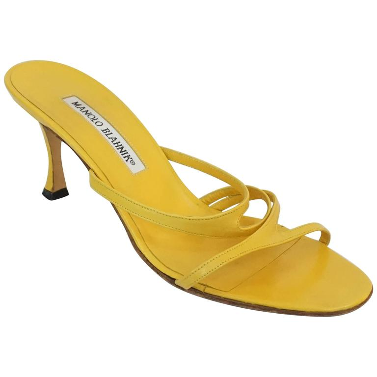 Manolo Blahnik Yellow Leather strappy sandal - 37 For Sale