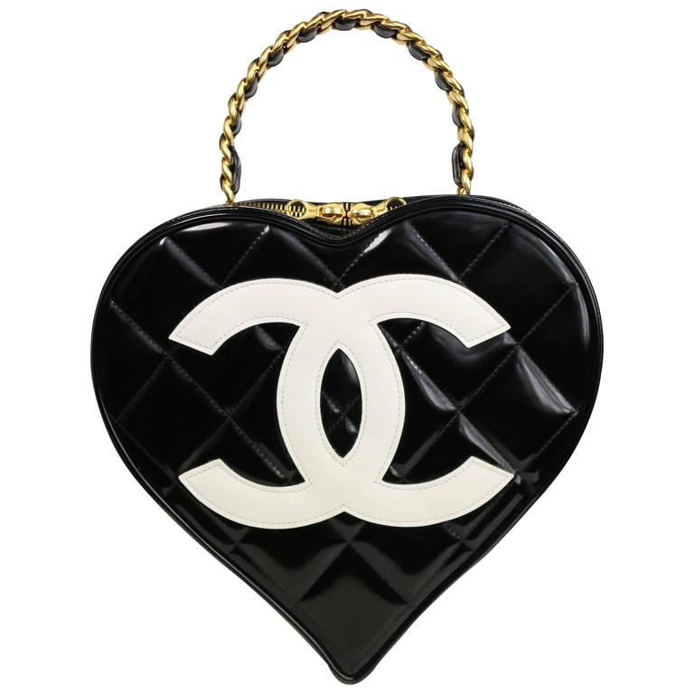 Chanel Black Patent Quilted Leather Heart-Shaped Vanity Chain Handbag For Sale