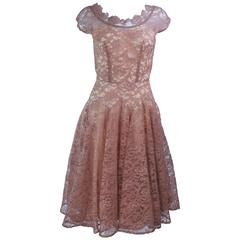 1950's Beige Lace Cocktail Dress with Full Skirt Size 2 4