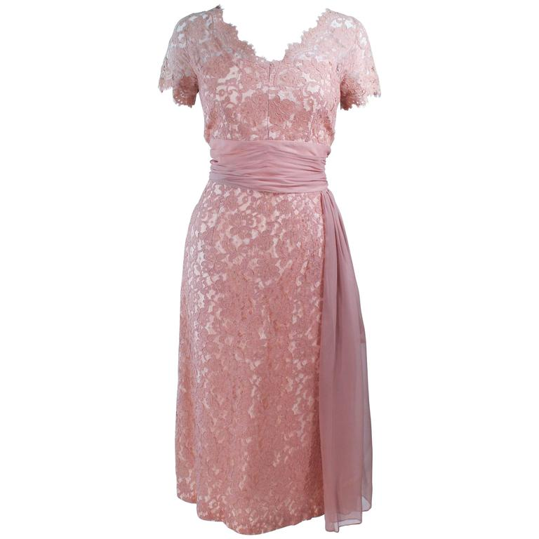 1950's Peach Lace Cocktail Dress with Draped Chiffon Waist Size 8 10