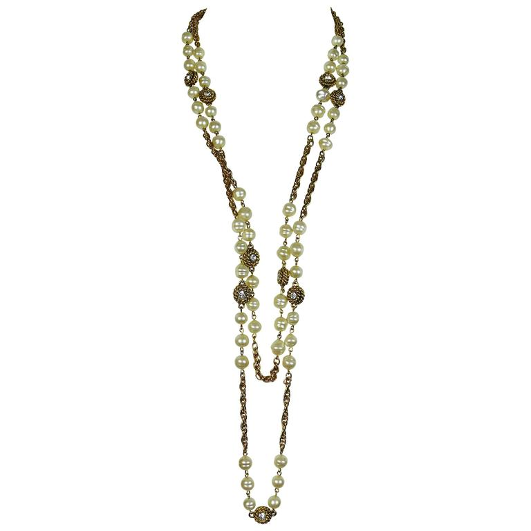Chanel Vintage 1980s Classic Pearl and Crystal Sautoir Necklace 1