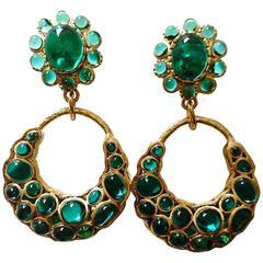 VINTAGE ✿*゚ Chanel Oversized Pâte de verre Gripoix Green Glass Earrings