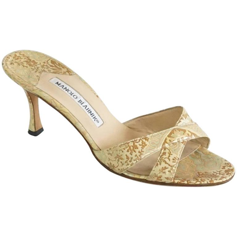 0bcd585bfd919 Manolo Blahnik Gold Leather Brocade Printed Slides - 37 For Sale at ...