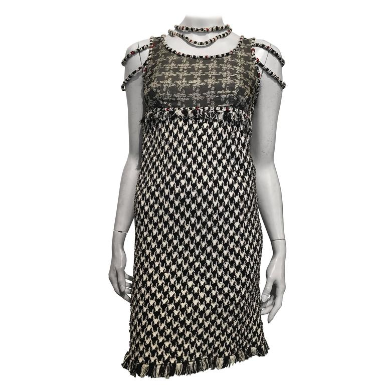 cc5e536005f Chanel Black and White Tweed Dress size 34 (2) For Sale at 1stdibs