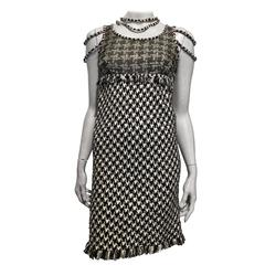 Chanel Black and White Tweed Dress size 34 (2)