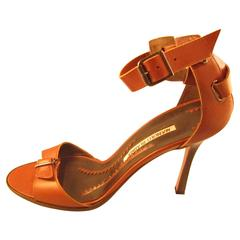 Manolo Blahnik Brown Leather Sandals. Size 7,5 (39,5 European).