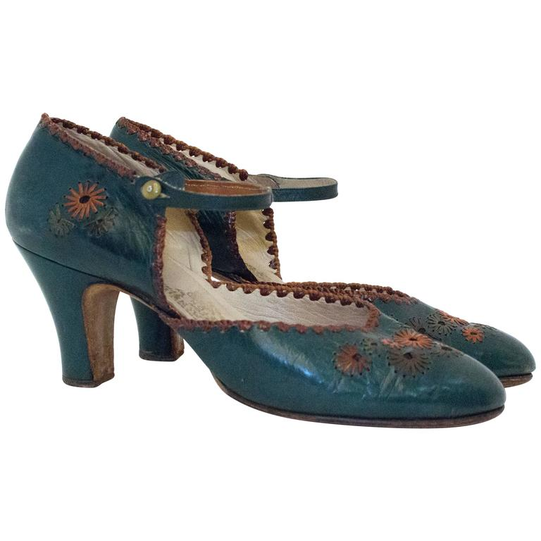 20s Green Leather Mary Jane Heels with Floral Embellishments