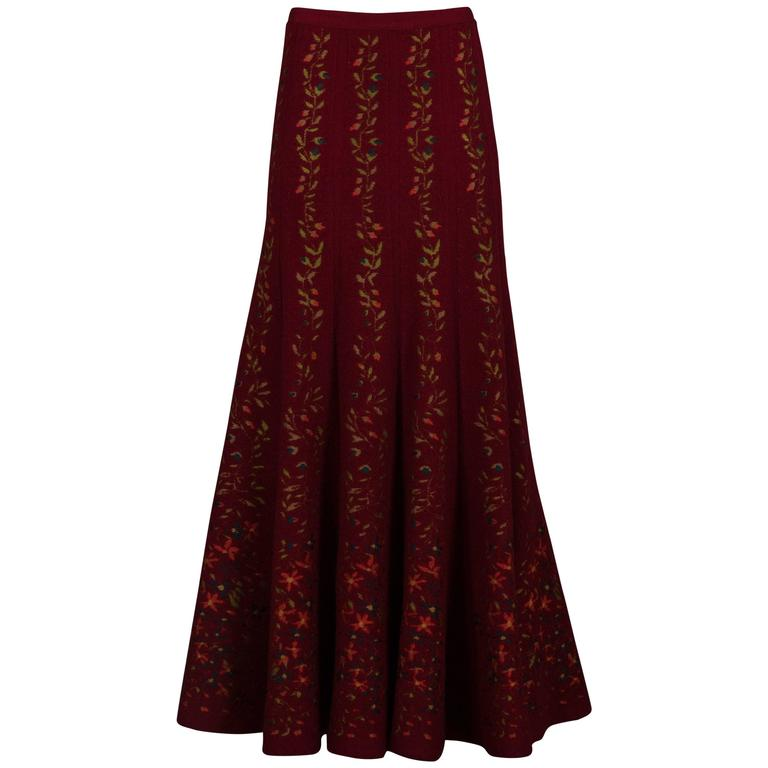 Alaia rouge embroidered knitted skirt, circa 1999 For Sale