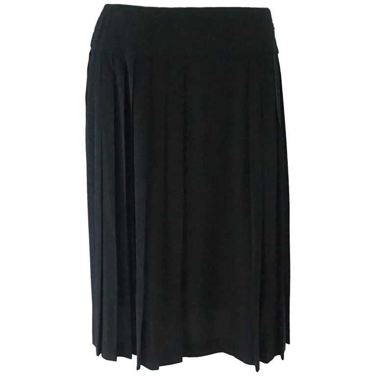 Chanel Identification Black Silk Chiffon Pleated Skirt with Quilted Waist - 40