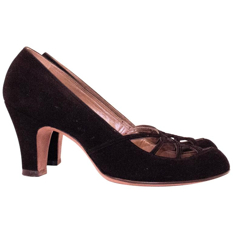 50s Black Suede Heels with Cut Out Toe Detail  For Sale