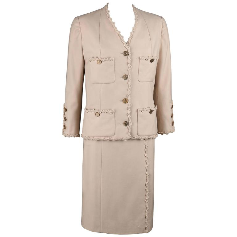 Chanel haute couture numbered beige wool jacket for Haute couture suits