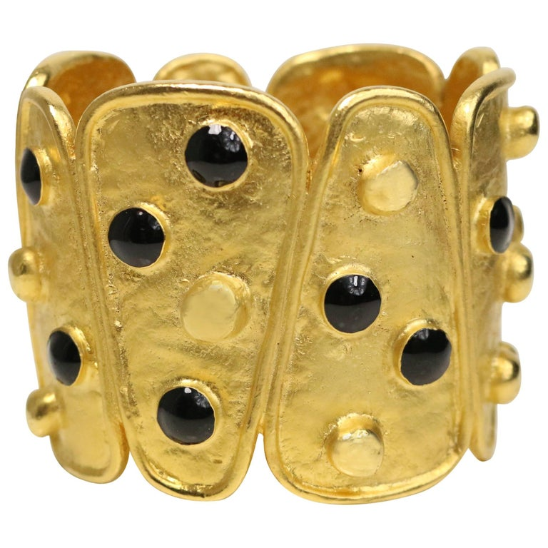 Vintage 80s Black and Gold Metal Wild Cuff Bracelet For Sale