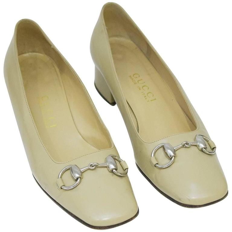 1990's Gucci Beige Leather Low Heels with Silver Horsebit For Sale