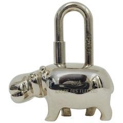 Hermes 2005 Annee des Fleuves Hippopotamus  Cadena Pendant Silver Tone