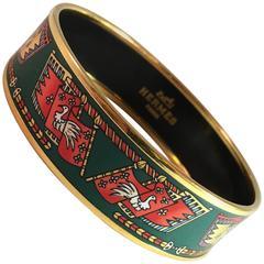 Hermes Vintage Printed Enamel Bangle Bracelet Green and Red Size 70 Large