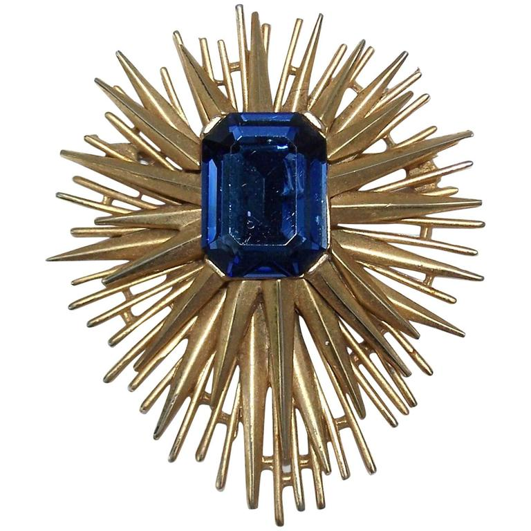 Sculptural 1950's Trifari Brutalist Starburst Brooch For Sale