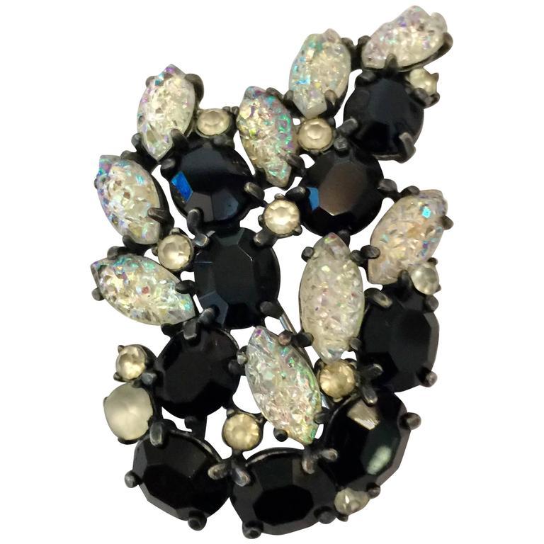 1950s SCHIAPARELLI Lava Rock Borealis and Black Brooch Pin For Sale